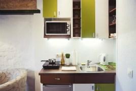 Pulire La Credenza : Come pulire la cucina creando spazio per una lavastoviglie
